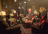 2x09 Betty, Archie, Reggie, Cheryl, Kevin, Veronica, Jughead and Josie