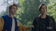 RD-Caps-2x06-Death-Proof-123-Archie-Jughead