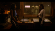 KK-Caps-1x10-Gloria-19-Alexandra-Josie