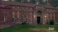 RD-Caps-2x04-The-Town-That-Dreaded-Sundown-02-Riverdale-public-library