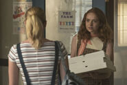 RD-Promo-3x03-As-Above-So-Below-07-Betty-Evelyn