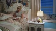 RD-Promo-3x02-Fortune-and-Men's-Eyes-15-Betty
