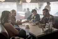 2x08 Alice, Betty, Jughead, FP