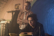 RD-Promo-3x02-Fortune-and-Men's-Eyes-03-Betty-Jughead