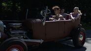 RD-Promo-3x01-Labor-Day-26-Archie-Veronica-Betty-Jughead