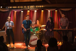 RD-Promo-4x17-Wicked-Little-Town-04-Betty-Archie-Jughead-Veronica-Kevin.jpg
