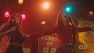 RD-Caps-3x16-Big-Fun-31-Toni-Cheryl
