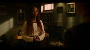 KK-Caps-1x10-Gloria-91-Josie