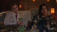 RD-Caps-2x14-The-Hills-Have-Eyes-47-Betty-Jughead
