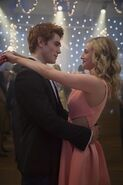 RD-Promo-1x01-The-River's-Edge-01-Archie-Betty