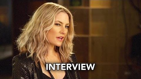 Riverdale (The CW) Mädchen Amick Interview HD