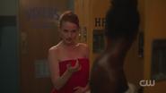 RD-Caps-2x08-House-of-the-Devil-17-Cheryl