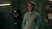 RD-Promo-4x07-The-Ice-Storm-22-Archie