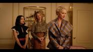 KK-Caps-1x04-Here-Comes-the-Sun-31-Katy-Amanda-Gloria