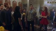 RD-Caps-2x10-The-Blackboard-Jungle-48-Veronica-Archie-Kevin-Josie-Reggie-Cheryl