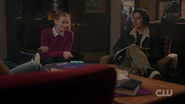 RD-Caps-2x14-The-Hills-Have-Eyes-19-Betty-Jughead