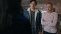 RD-Caps-2x01-A-Kiss-Before-Dying-84-Jughead-Betty