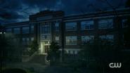 RD-Caps-2x04-The-Town-That-Dreaded-Sundown-88-Riverdale-High-School