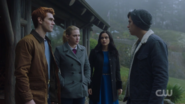 RD-Caps-2x14-The-Hills-Have-Eyes-36-Archie-Betty-Veronica-Jughead