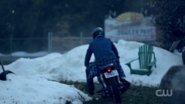 RD-Caps-2x01-A-Kiss-Before-Dying-29-Jughead-motorcycle-Sunnyside-trailer-park