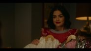 KK-Caps-1x05-Song-for-a-Winters-Night-14-Katy