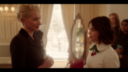 KK-Caps-1x01-Pilot-09-Gloria-Katy