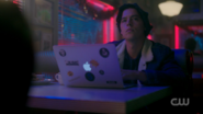 RD-Caps-2x09-Silent-Night-Deadly-Night-04-Jughead