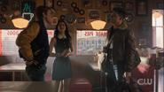 RD-Caps-5x01-Climax-28-Archie-Veronica-KO