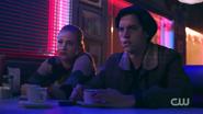RD-Caps-2x13-The-Tell-Tale-Heart-118-Betty-Jughead