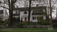 RD-Caps-1x01-The-River's-Edge-02-Cooper house