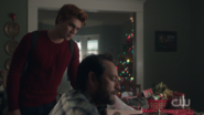 RD-Caps-2x09-Silent-Night-Deadly-Night-19-Archie-Fred