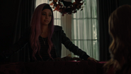 RD-Caps-4x07-The-Ice-Storm-26-Toni