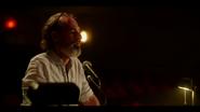 KK-Caps-1x01-Pilot-48-Director