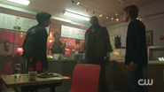 RD-Caps-2x07-Tales-from-the-Darkside-39-Jughead-Farmer-McGinty-Archie