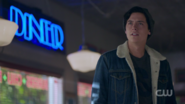 RD-Caps-2x01-A-Kiss-Before-Dying-105-Jughead