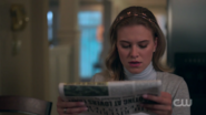 RD-Caps-2x03-The-Watcher-in-the-Woods-64-Polly