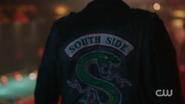 RD-Caps-2x05-When-a-Stranger-Calls-22-Jughead-Southside-serpent-jacket