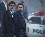 RD-Promo-1x01-The-River's-Edge-10-Archie-Fred