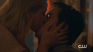 RD-Caps-2x12-The-Wicked-and-The-Divine-120-Betty-Jughead-kiss