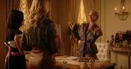 KK-Promo-1x04-Here-Comes-the-Sun-33-Gloria-Katy-Amanda