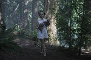 CAOS-Promo-3x04-The-Hare-Moon-03-Sabrina