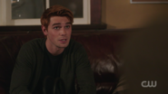 RD-Caps-2x03-The-Watcher-in-the-Woods-12-Archie
