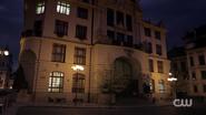 RD-Caps-2x05-When-a-Stranger-Calls-68-Five-Seasons-Hotel