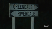 RD-Caps-2x07-Tales-from-the-Darkside-33-Greendale-Riverdale-sign