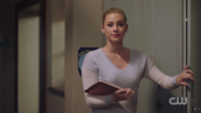 RD-Caps-2x03-The-Watcher-in-the-Woods-140-Betty