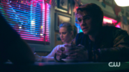 RD-Caps-2x09-Silent-Night-Deadly-Night-141-Archie-Betty