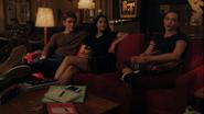 RD-Caps-4x04-Halloween-18-Archie-Veronica-Betty