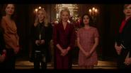 KK-Caps-1x01-Pilot-49-Amanda-Gloria-Katy