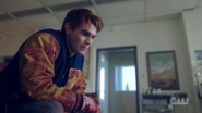 RD-Caps-2x01-A-Kiss-Before-Dying-32-Archie