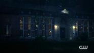 RD-Caps-2x04-The-Town-That-Dreaded-Sundown-109-Riverdale-public-library